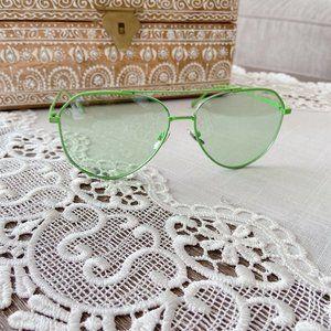 🆕DIFF Eyewear UVA Oversize Sunglass Green